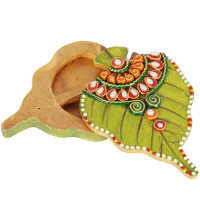 Wooden Kundan Hand-Crafted Leaf Shaped Chopra Online
